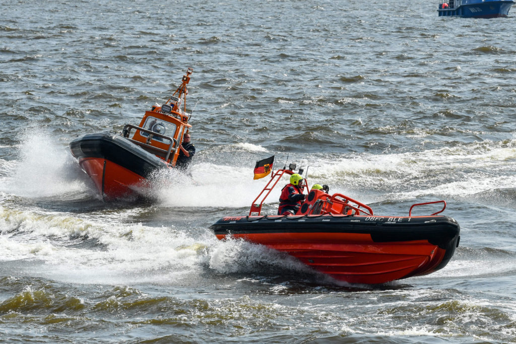 Auch mit Schnellbooten ist der Hamburger Zoll auf der Jagd nach Schmugglern. (Foto: Sun)